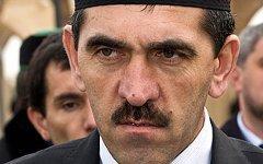 Юнус-Бек Евкуров. Фото с сайта angusht.com
