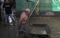 Жители затопленного поселка © РИА Новости, Михаил Мокрушин