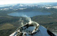 Кратер Карымского вулкана. Фото с сайта wikipedia.org