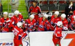 Игроки «Локомотива». Фото с сайта hclokomotiv.ru