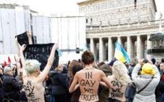 Акция протеста Femen в Ватикане. Фото с сайта femen.org
