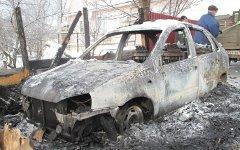Сгоревшая «Лада Калина». Фото с сайта 44.mvd.ru