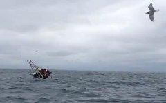 Кораблекрушение. Стоп-кадр с видео в YouTube