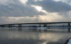 Октябрьский мост. Фото с сайта wikimedia.org