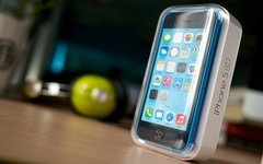 iPhone 5с. Фото Kārlis Dambrāns с сайта flickr.com
