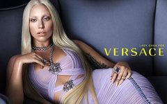 Lady Gaga. Фото из официального аккаунта Versace в Твиттере