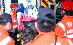 Спасатели на месте происшествия. Кадр телеканала Hong Kong Cable TV