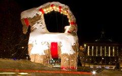 Рождественский козел в Евле. Фото с сайта visitgavle.se