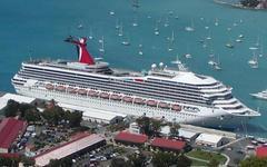 Лайнер Carnival Triumph. Фото с сайта shipwrecklog.com
