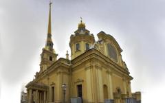 Петропавловский собор. Фото с сайта spbfoto.ru