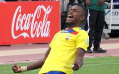 Игрок сборной Эквадора по футболу. Фото с сайта ecuafutbol.org