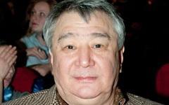 Алимжан Тохтахунов. Фото с сайта wikimedia.org