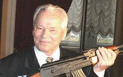 Михаил Калашников. Фото Н.Трегуб с сайта museum.ru