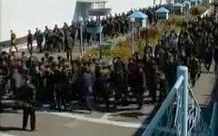 Заключенные Иркутской колонии. Стоп-кадр с видео в YouTube