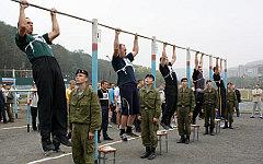 Физическая подготовка в армии. Фото с сайта mil.ru