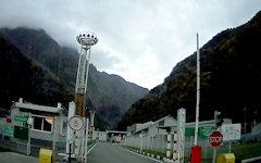 КПП на границе России и Грузии. Стоп-кадр с видео в YouTube