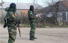 Бойцы спецназа. Фото с сайта 05.mvd.ru