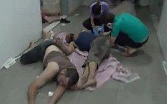 Пострадавшие от химатаки. Стоп-кадр с видео в YouTube