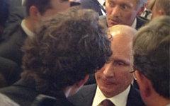 Алек Лун и Владимир Путин. Фото пользователя Твиттер @howardamos