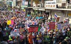 Акция оппозиции в Таиланде. Фото пользователя Twitter @nongyangyang