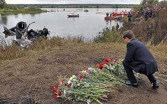 Дмитрий Медведев на месте крушения Як-42Д. Фото с сайта kremlin.ru