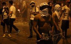 Участники манифестаций в Каракасе. Фото пользователя Twitter @jammastergirish