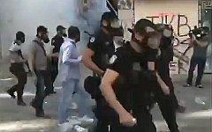 Беспорядки в Турции. Стоп-кадр с видео в YouTube