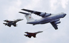 Дозаправка истребителей от Ил-78. Фото Jim Newton с сайта airliners.net