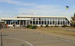 Аэропорт Бельбек в Севастополе. Фото с сайта dic.academic.ru