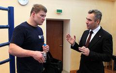 Александр Поветкин и Павел Астахов. Фото с сайта rfdeti.ru