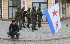 Военные в Симферополе. Фото пользователя Twitter @rzhev