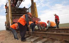 Укладка железной дороги. Фото с сайта rzd.ru