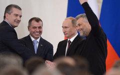 Сергей Аксенов, Владимир Константинов, Владимир Путин и Алексей Чалый во время ц