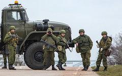 Блокпост на дороге к аэропорту «Бельбек» © РИА Новости, Андрей Стенин