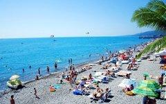 Сочинский пляж. Фото с сайта garmonia-sochi.ru