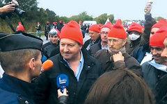 «Красные шапочки». Кадр из видеосюжета Le Telegramme