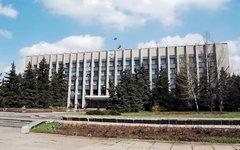 Здание Алчевского городского совета. Фото пользователя Tw1npeaks с сайта panoram
