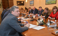 Заседание Луганского облсовета. Фото с сайта oblrada.lg.ua