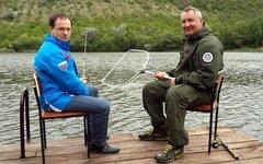 В.Мединский и Д.Рогозин в Приднестровье 9 мая. Фото из Твиттера вице-премьера РФ