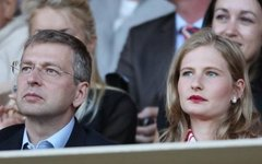 Дмитрий и Елена Рыболовлевы. Фото с сайта newsbomb.gr