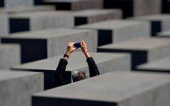 Мемориал жертвам холокоста в Берлине. Фото HdeK с сайта wikipedia.org