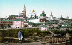 Вид на Троице-Сергиеву Лавру в 1890-е годы. Фото с сайта wikimedia.org