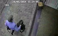 Стрелявший у Еврейского музея в Брюсселе. Кадр с камеры видеонаблюдения