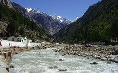 Река Бхагиратхи. Фото Atarax42 с сайта wikipedia.org