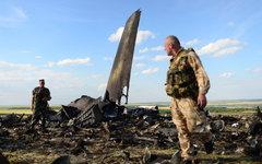Ополченцы на месте падения ИЛ-76 ВВС Украины © РИА Новости, Валерий Мельников