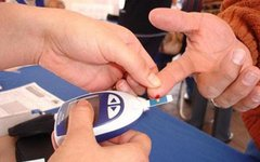 Прибор для измерения уровня сахара в крови. Фото с сайта diyhealth.com