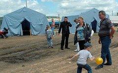 Украинские беженцы в палаточном лагере. Фото с сайта bloknot-rostov.ru