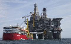 """Нефтегазодобывающая платформа """"Беркут"""" в Охотском море. Фото с сайта <a target="""""""