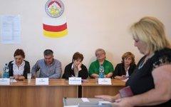 Наблюдатели на выборах парламента Южной Осетии © РИА Новости, Михаил Мокрушин