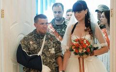 Арсен Павлов и его невеста Елена © РИА Новости, Михаил Воскресенский